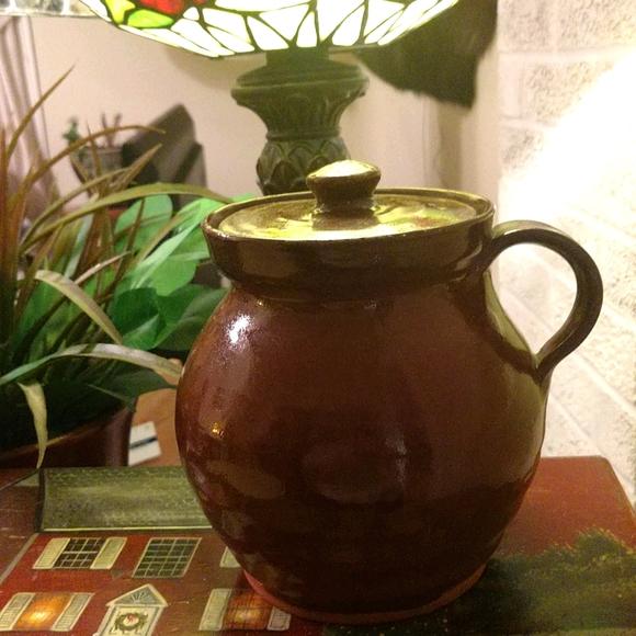 Old Sturbridge Village pot